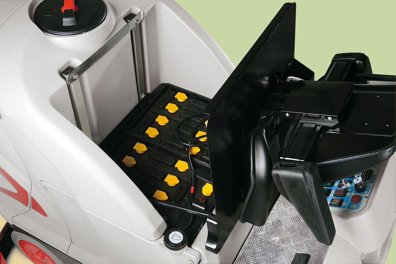 Comac Ultra 85 Battery Scrubber Dryer-min