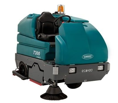 Tennant-7300-Ride-On-Sweeper