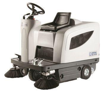 Nilfisk SR 1101 Sweeper