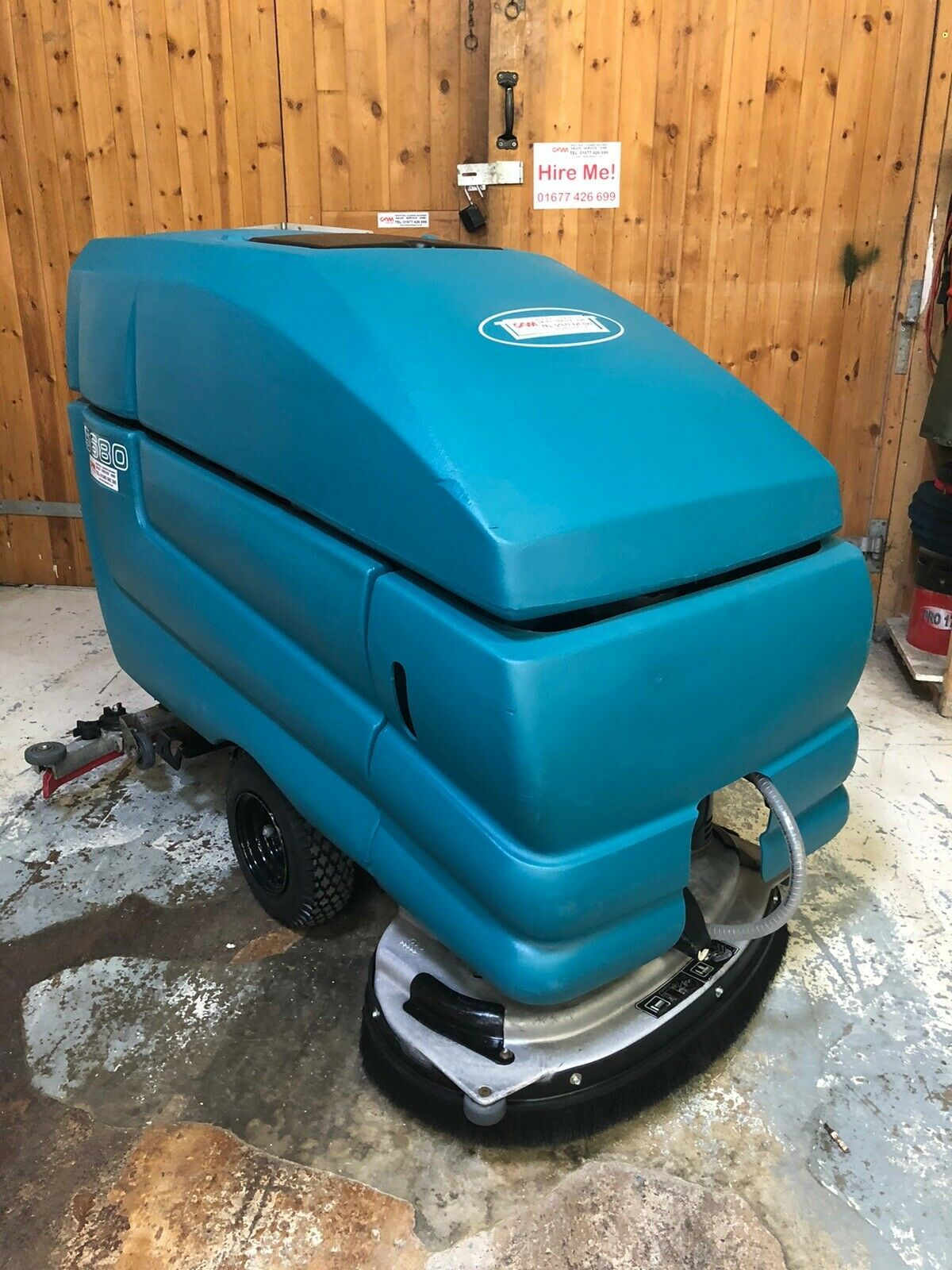 Tennant 5680 Scrubber Dryer 800 head