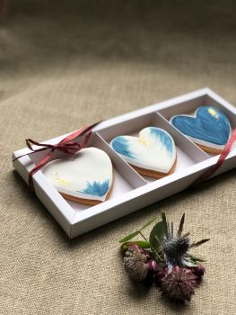 Watercolour Gold biscuit trio