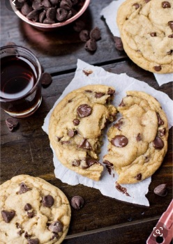 Insanely good Chocolate Chip Cookies