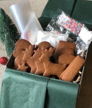 Gingerbread Sleigh & Reindeer kit