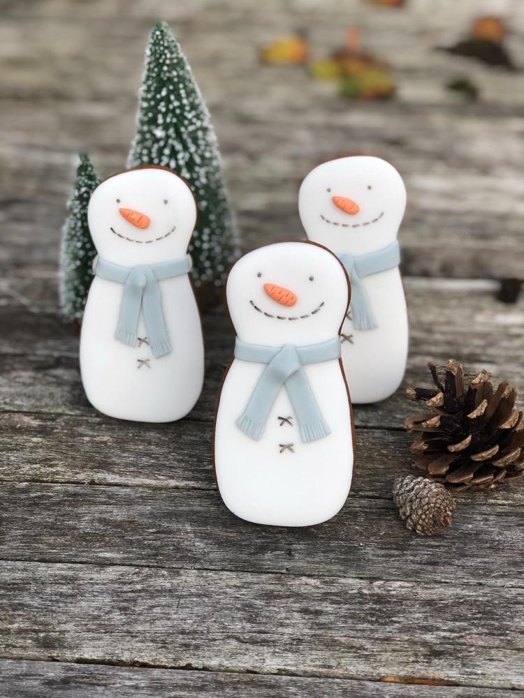 Snowman gingerbread biscuit