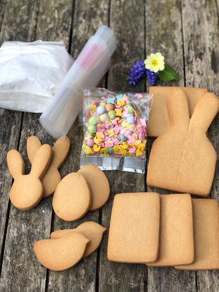 Easter Bunny biscuit basket kit