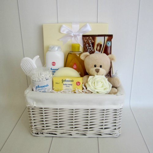Baby Essentials Unisex Teddy Bear Hamper