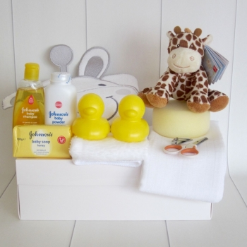 New Baby Unisex Giraffe Gift Box Hamper