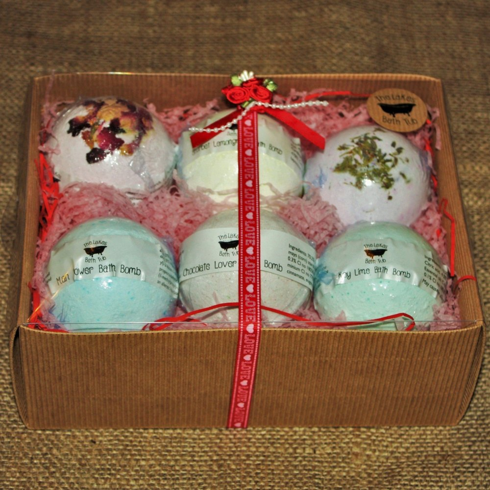 Bath Bomb Hamper Set