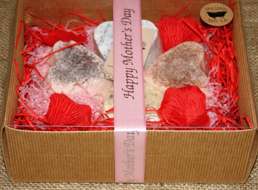 <!--007-->Soap Heart Hamper