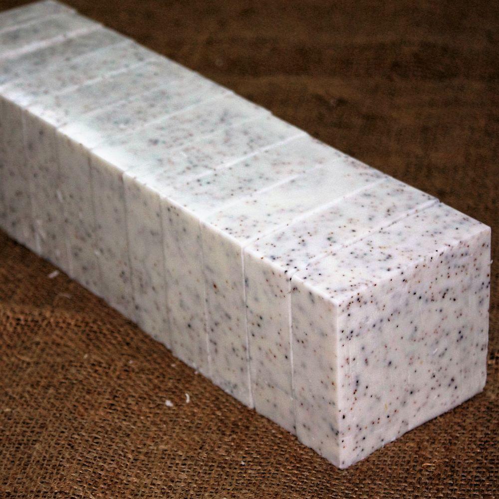 <!--009-->Moisturising Goats Milk 1.8kg Loafs