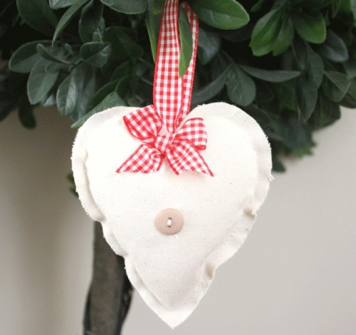 Heart Hanging Decoration - Red Gingham