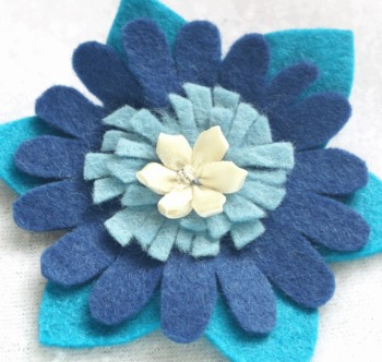 Blue & Cream Flower Felt Brooch