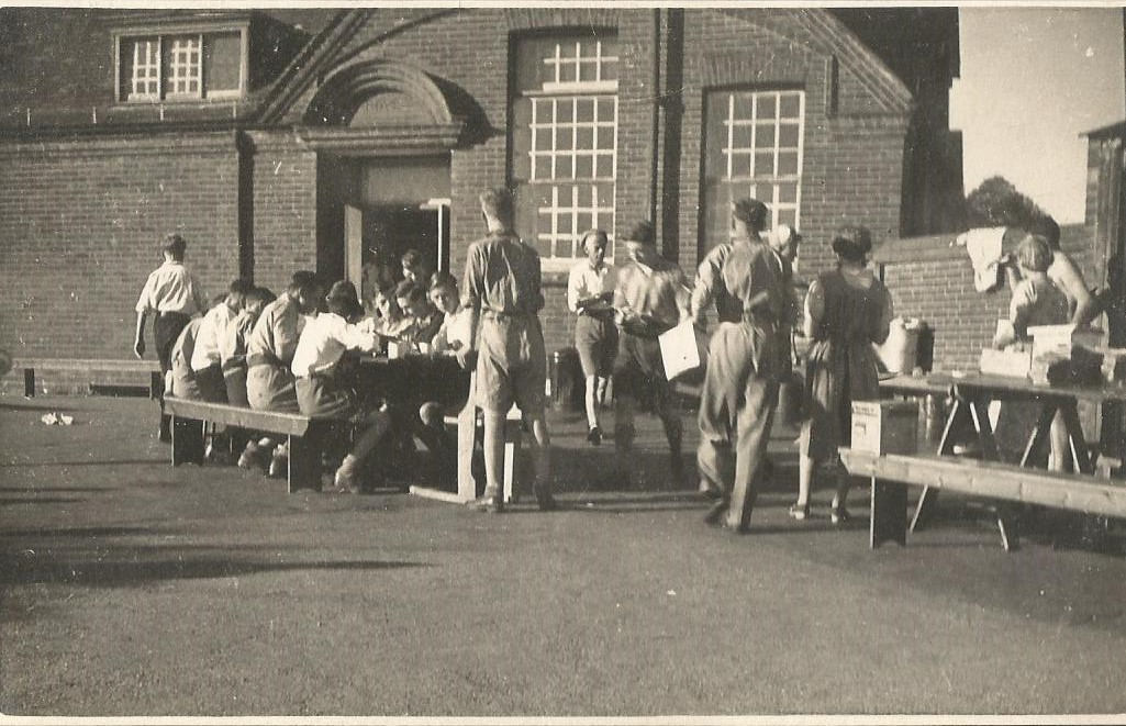 Down harvest camp 1943
