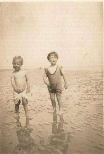 roly truman and dad poss camber sands 1932-3