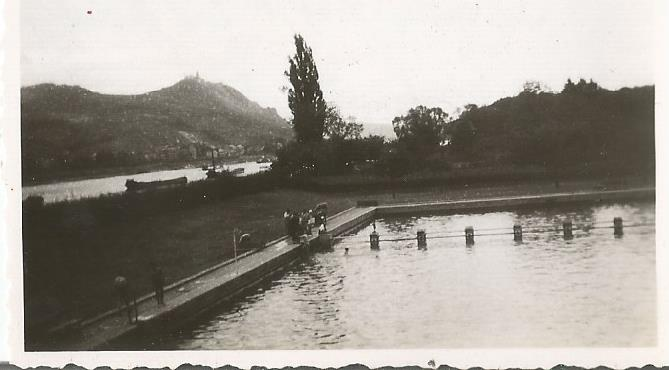 swimming pool at bad godesburg0002