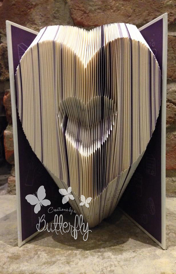 Book Folding Pattern 'Inverted Heart'  (161 Folds)