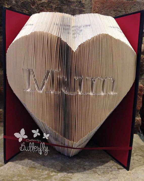 Book Folding Pattern 'Mum' Inverted in Heart (383 Folds)