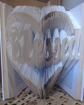 Book Folding Pattern 'Blessed' in Heart (428 Folds)