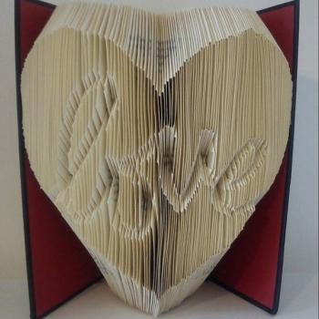 Book Folding Pattern 'Love Inverted Heart'  (334 Folds)