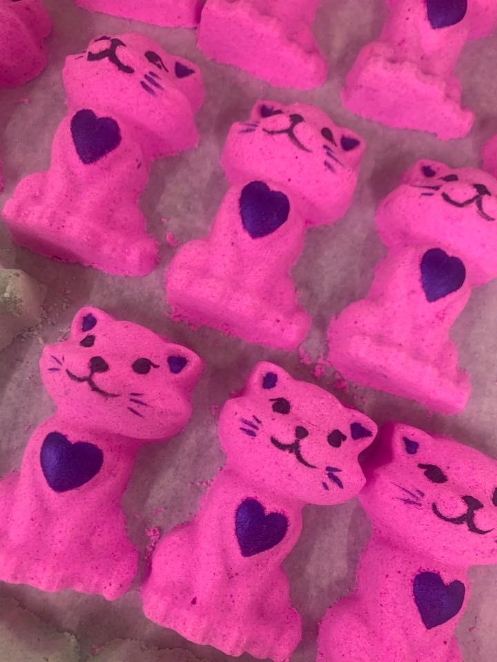 Little Kitty Bath Bomb