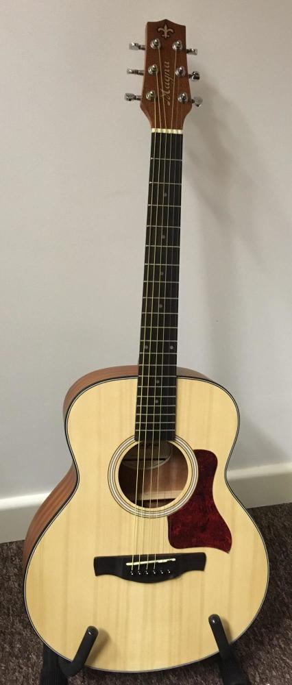 Magna Baby Guitar - Spruce