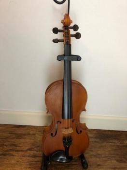 Handmade Violin 4/4 (pre-owned)