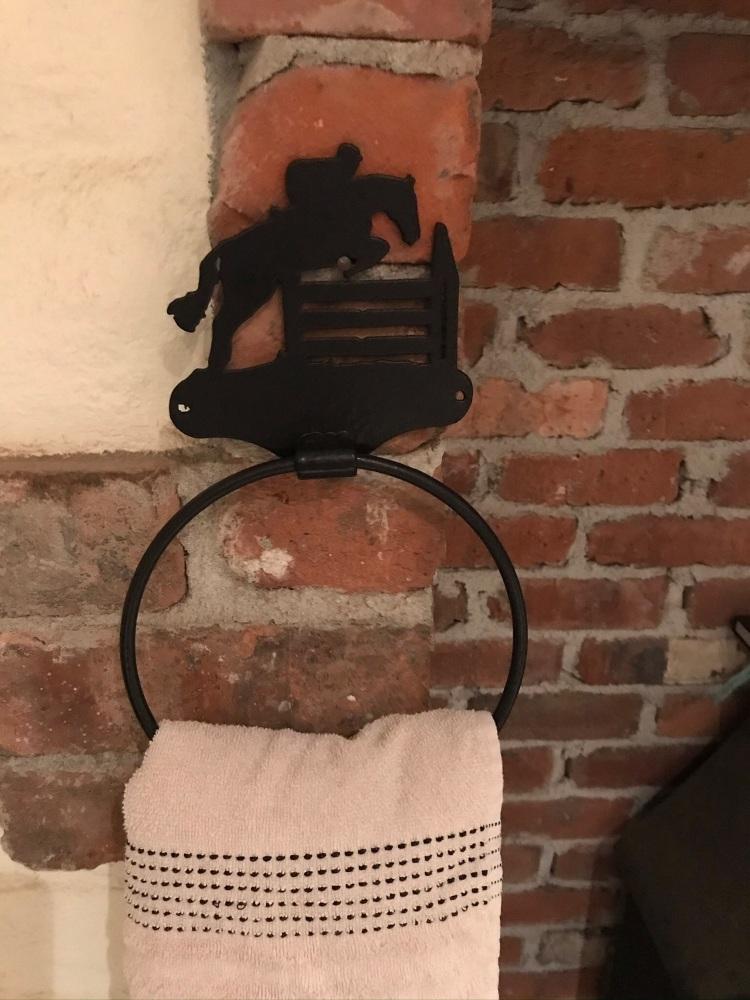 Jumping Towel Ring