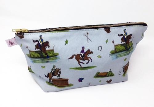 Cross Country Wash Bag