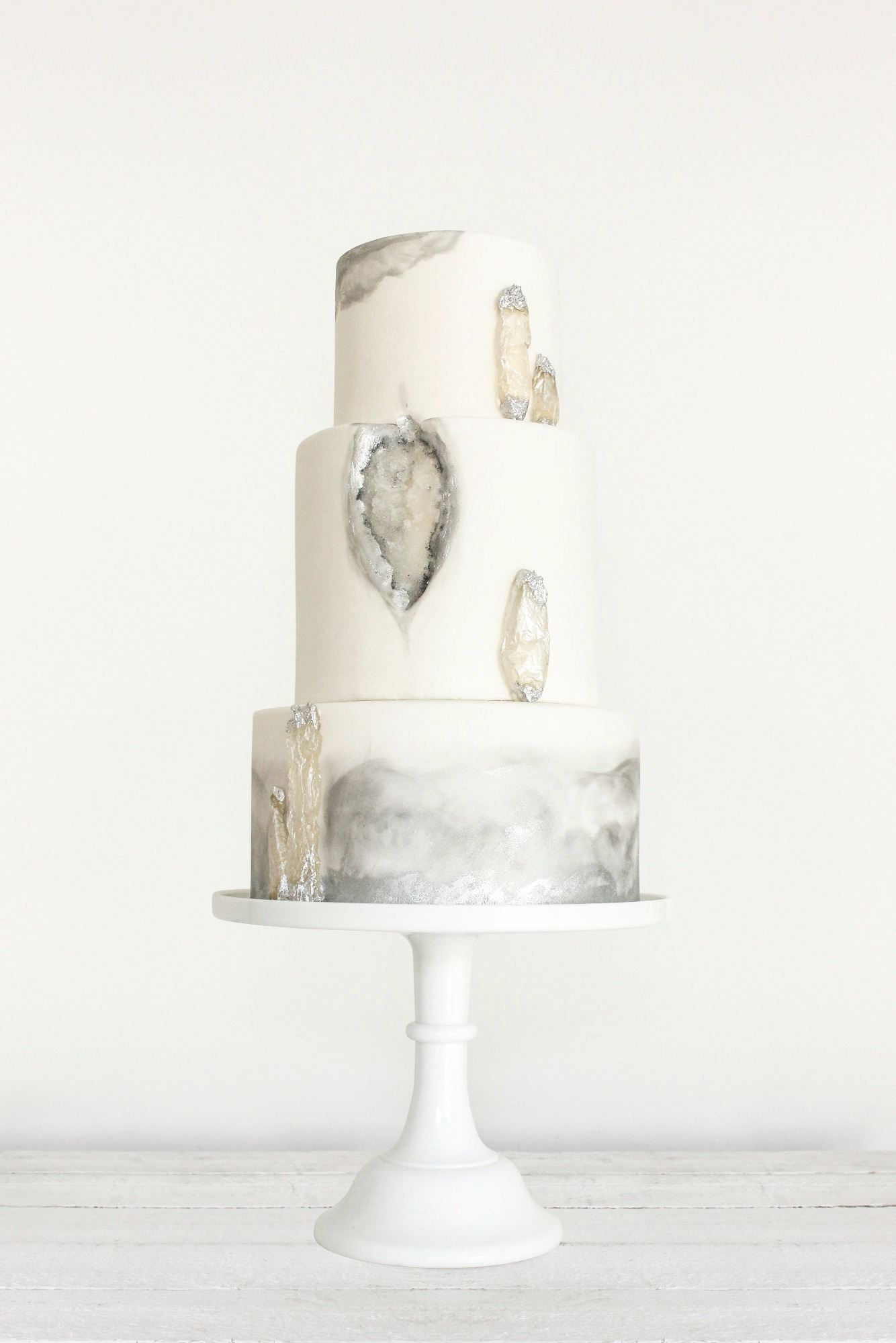 Geode Wedding Cake Trends