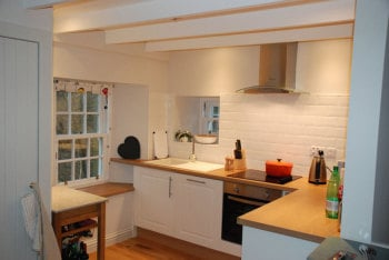 ashtrees_cottage_kitchen