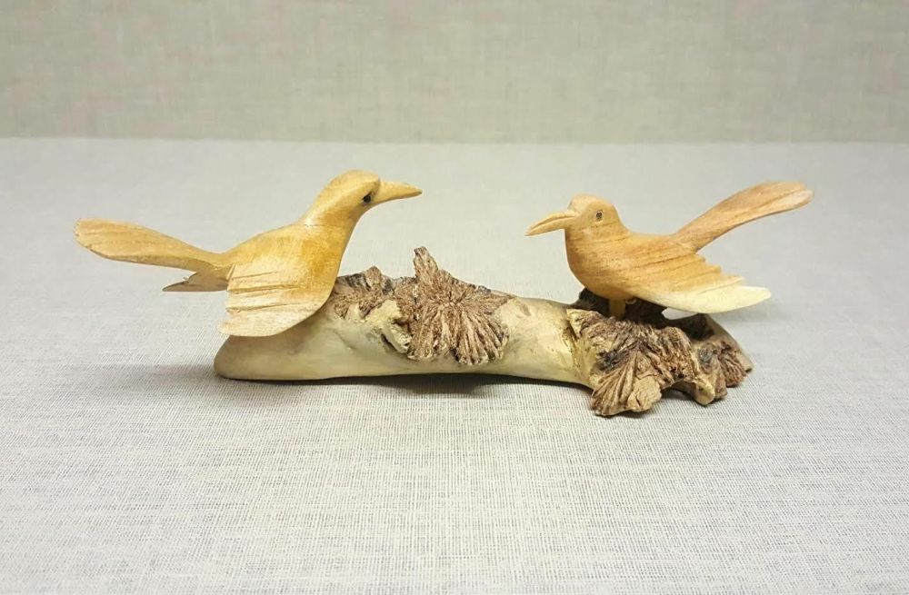 Hand Carved Jempinis wooden Song Birds on Chinaberry Parasite Wood