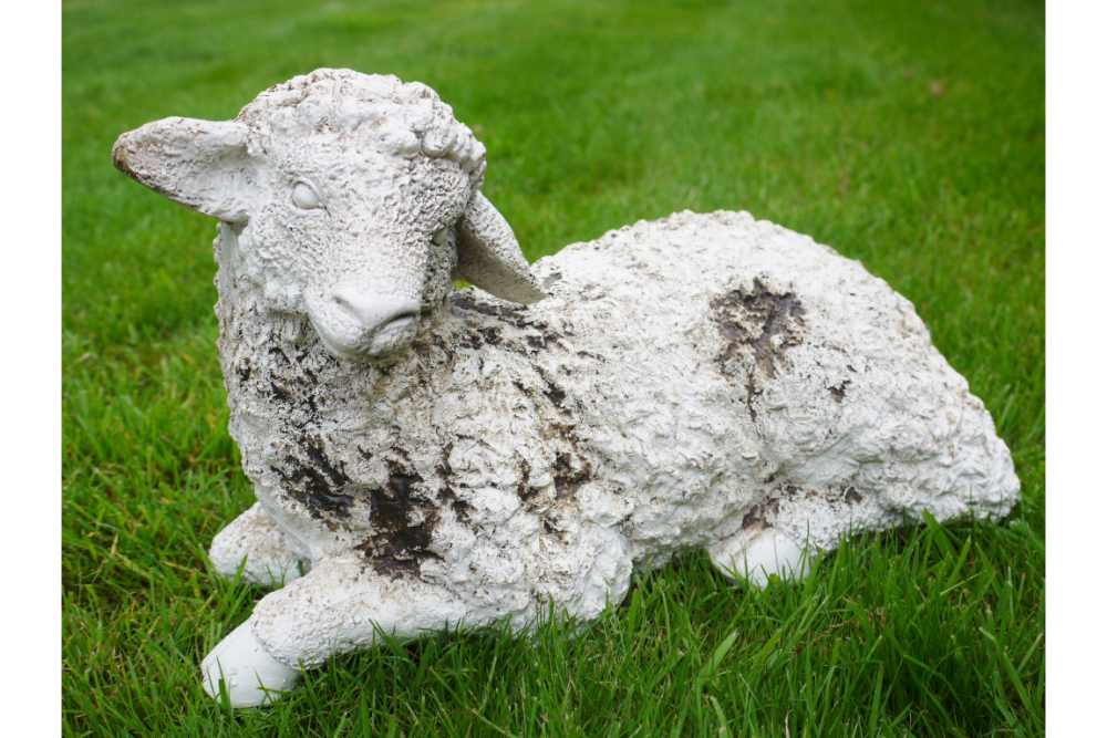 Lying Sheep Lamb Lawn Ornament Statue Garden/Patio Feature Outdoor