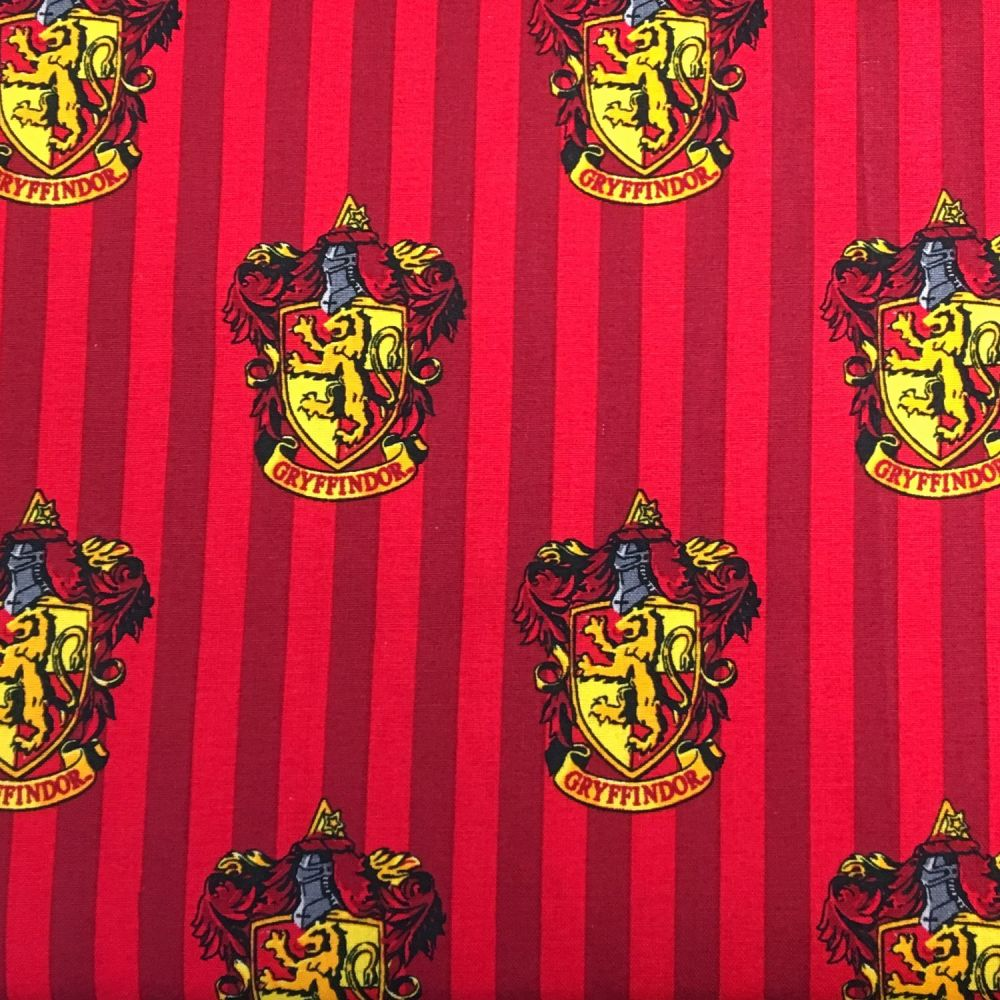 Harry Potter Hogwarts Gryffindor House Crest Lion Magical Wizard Witch Cott