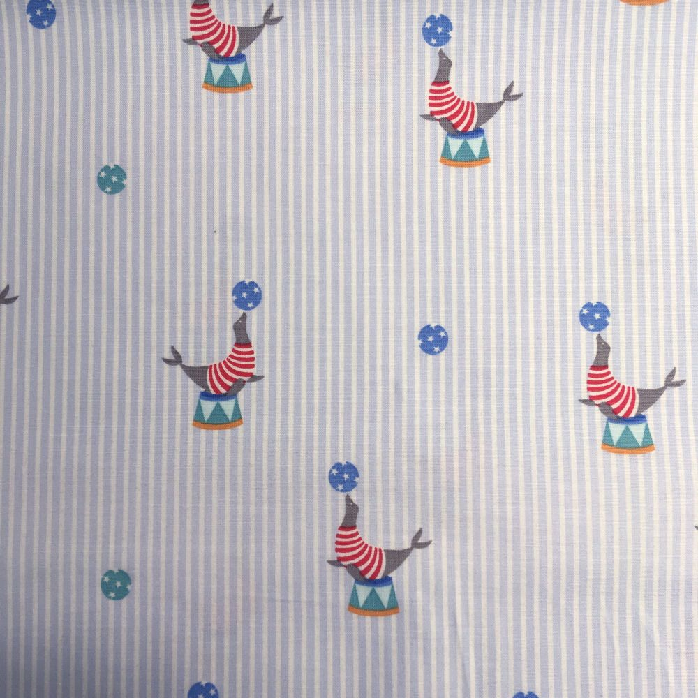 Gutermann Ring A Roses Circus Seal Ball Stripe Extra Wide Quilt Backing Cot