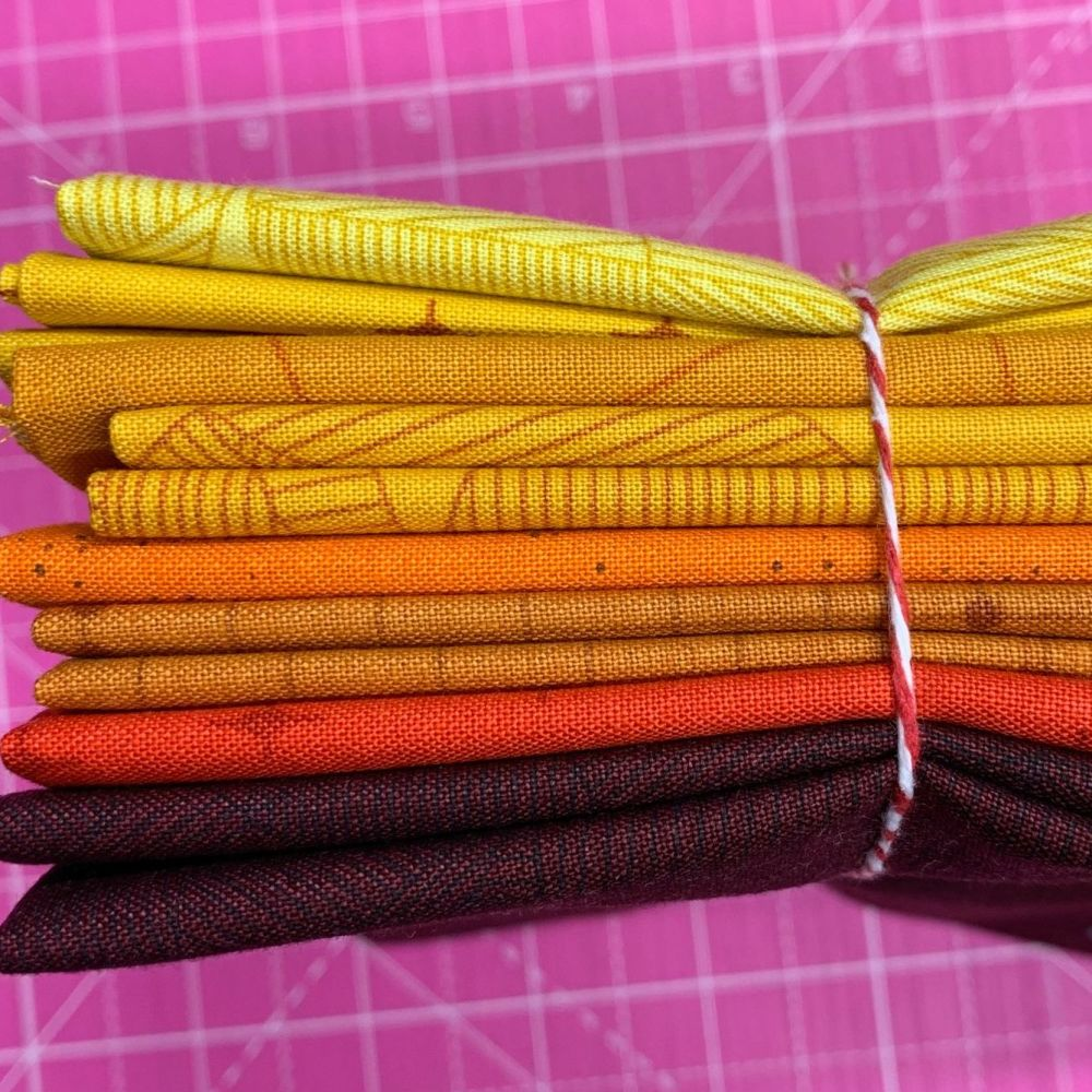 Giucy Giuce Quantum Redux Fire Red Orange Yellow 8 Fat Quarter Bundle Cotto