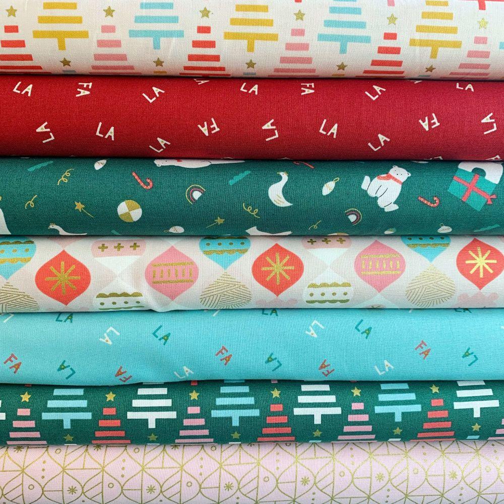 Polar Magic Christmas Festive 7 Fabrics Fat Quarter Bundle Cloth Stack FQ F