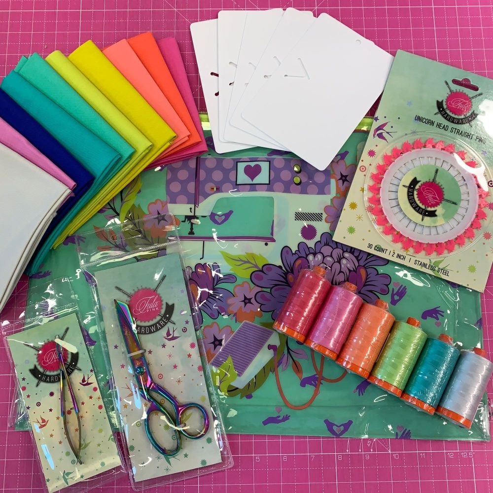 EXCLUSIVE Tula Troops Tula Pink Large Project Pack Bundle - Pouch, Scissors