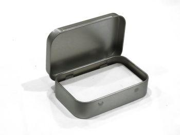 Small Tin: 9x6x2cm