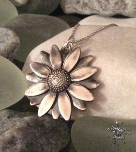 silver layered daisy1a_1_50_2_75