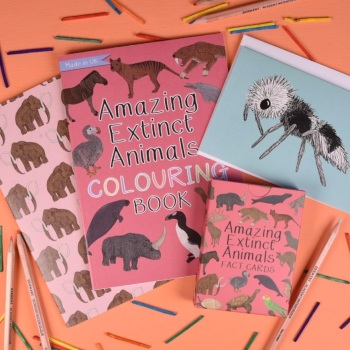 Amazing Extinct Animals Gift Set