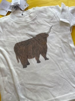 1-2 yrs tee highland cow