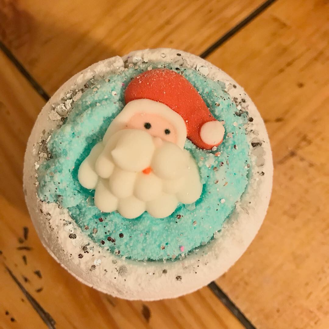 Zat You, Santa Claus? Bath Bomb