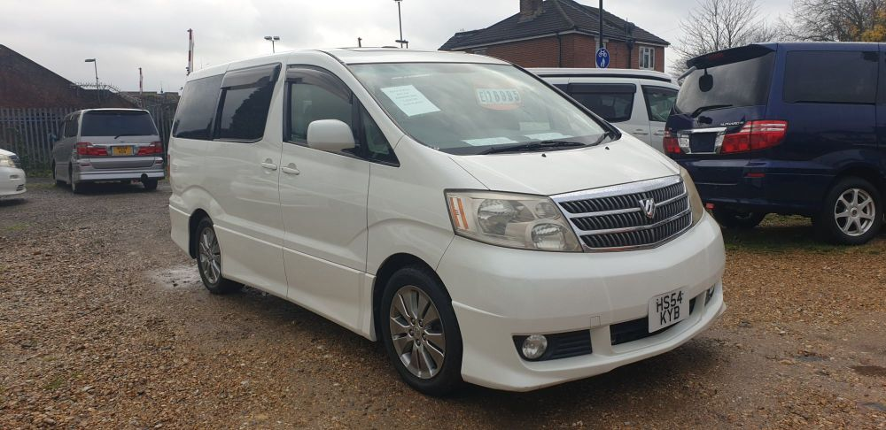TOYOTA ALPHARD 2 BERTH CAMPERVAN WITH SIDE CONVERSION AND ROCK 7 ROLL BED