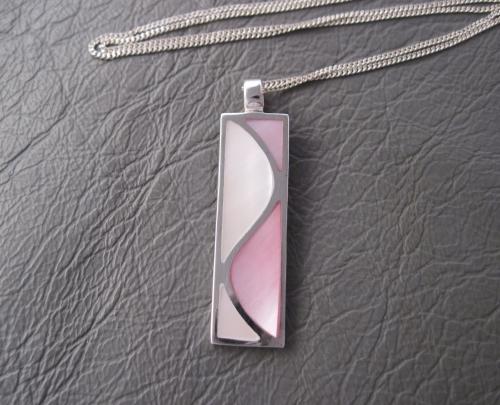 Pink & white MOP wave
