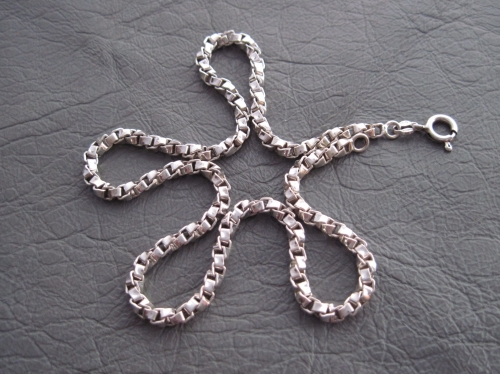 Vintage sterling silver twisted box chain