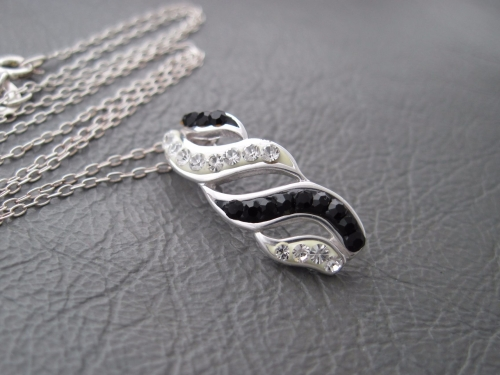 Sterling silver necklace with black & clear stoned pendant
