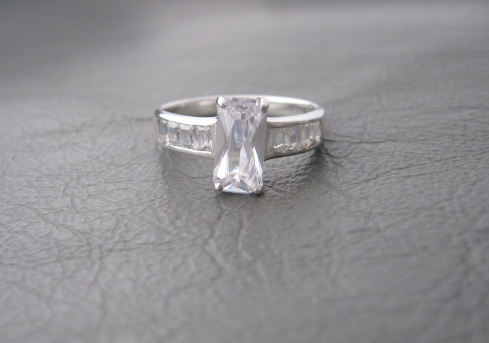 Sterling silver ring with eye-catching rectangular stones