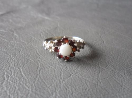 Vintage sterling silver, opal & garnet cluster ring with floral shoulders