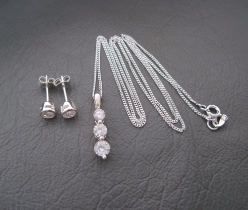 (NEW) Sterling silver pendant & earring set with clear cubic zirconia (#2)