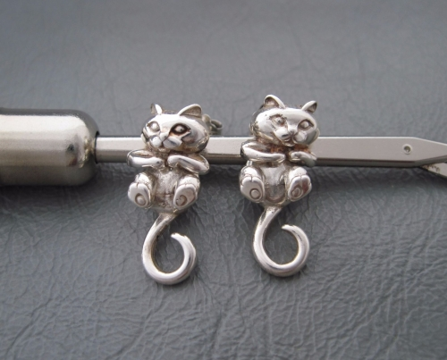 Sterling silver 3d / articulated cat earrings!